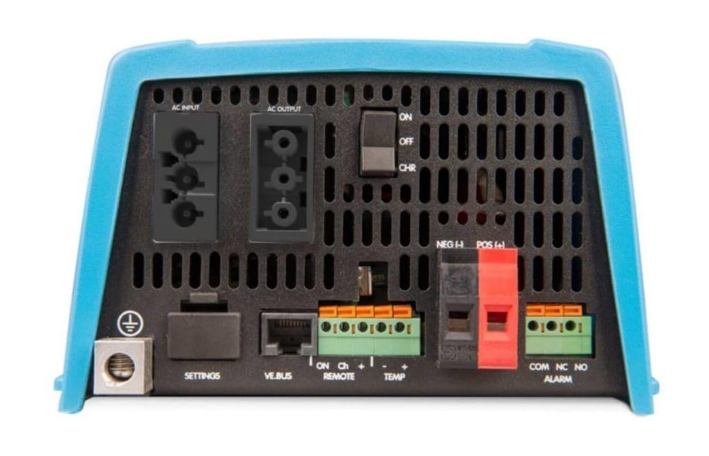 MULTI Victron Combiné chargeur 230/12V et convertisseur 12/230V Victron