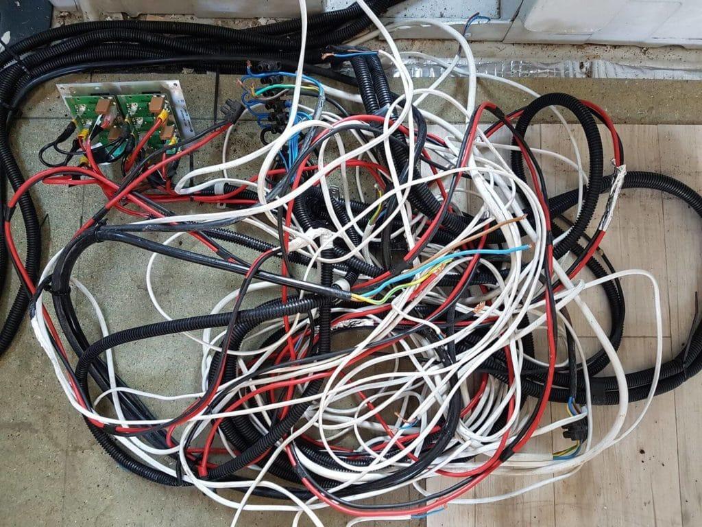 Cables de différentes sections pour fourgon aménagé