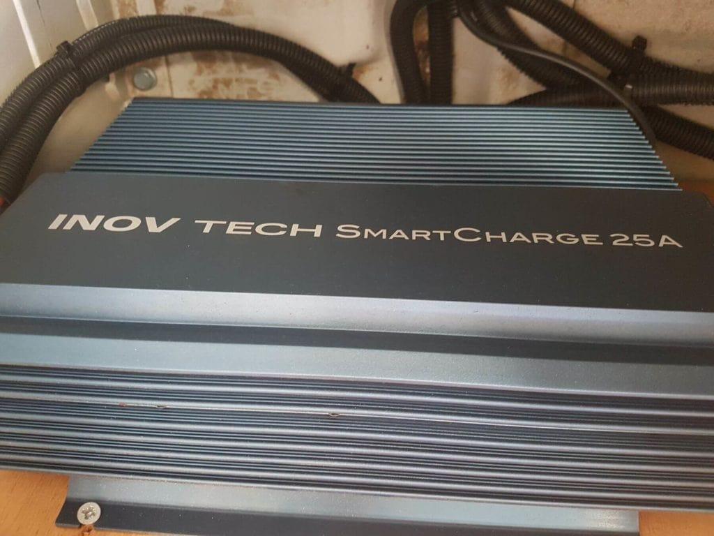 Chargeur à découpage Inov Tech SmartCharge 25A