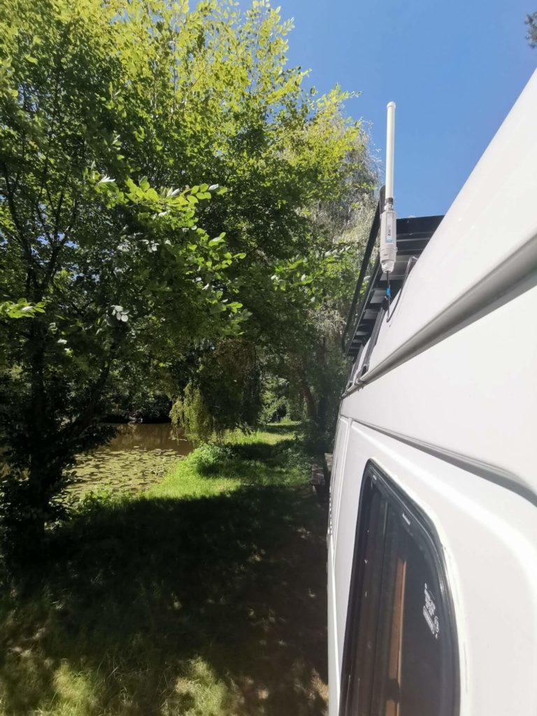 installation antenne 4g, fourgon aménagé, camping-car