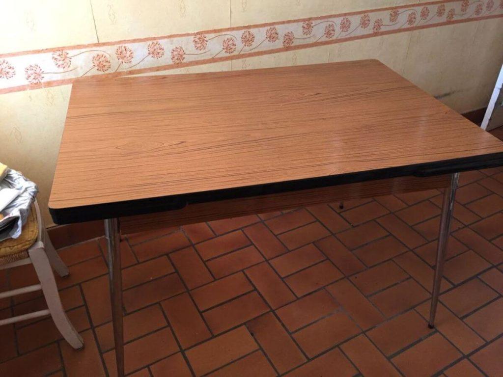 Table stratifié, formica, panneau de bois, agglo