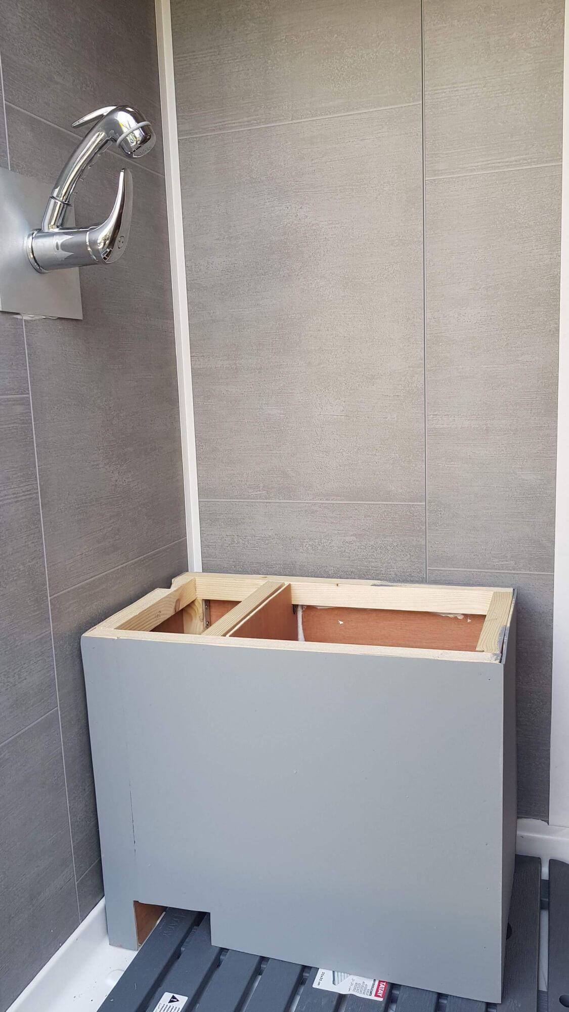 toilettes sèches, douche, fourgon