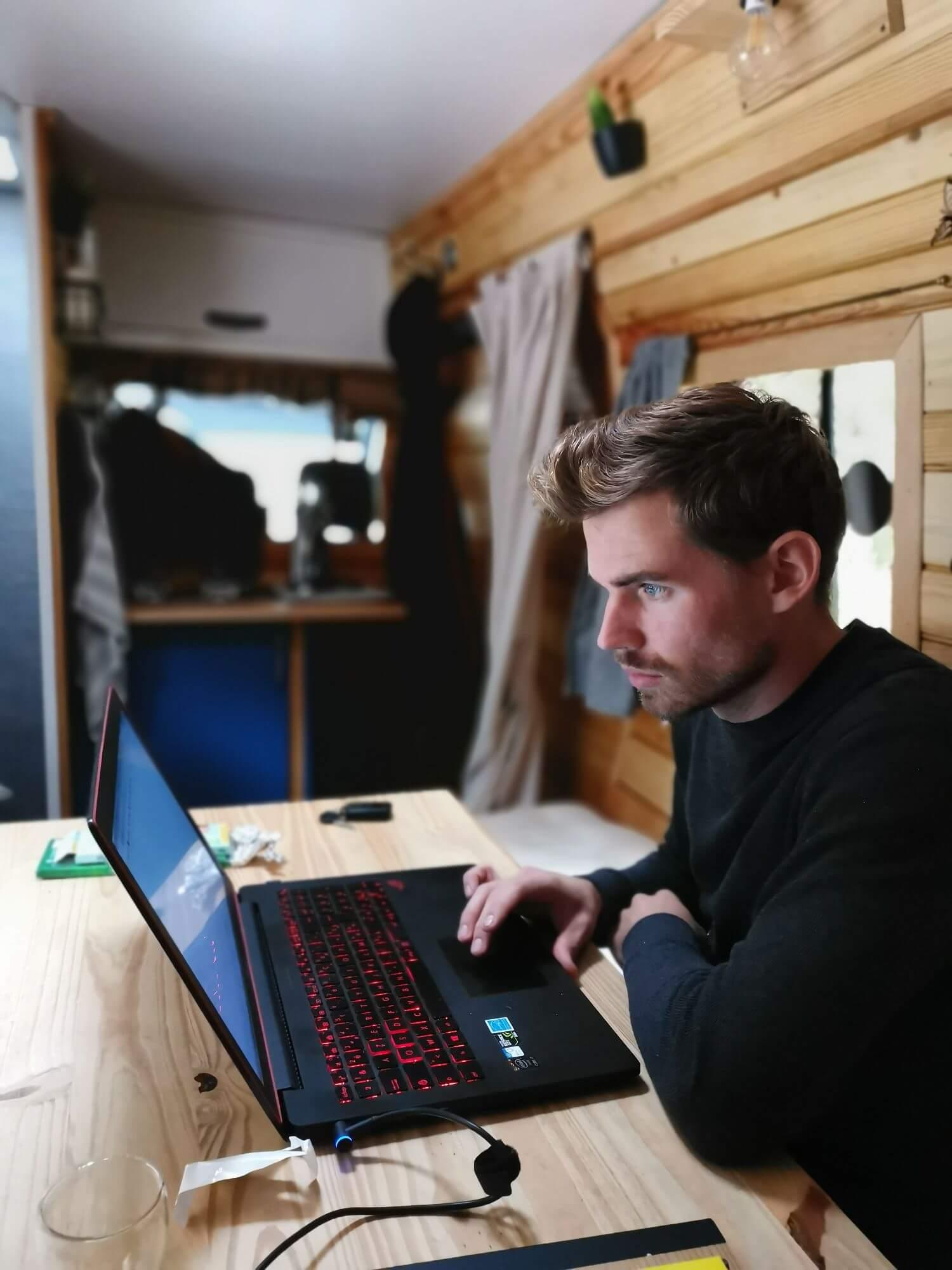 Travail, Digital Nomad, Fourgon aménagé